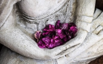 budha with flowers